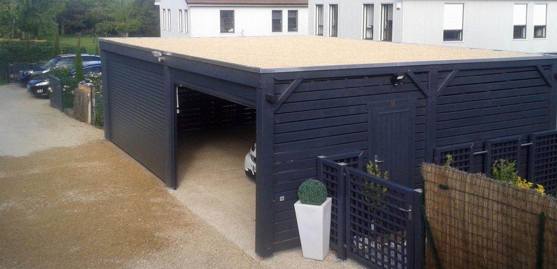 Garage pour voiture avec toit plat